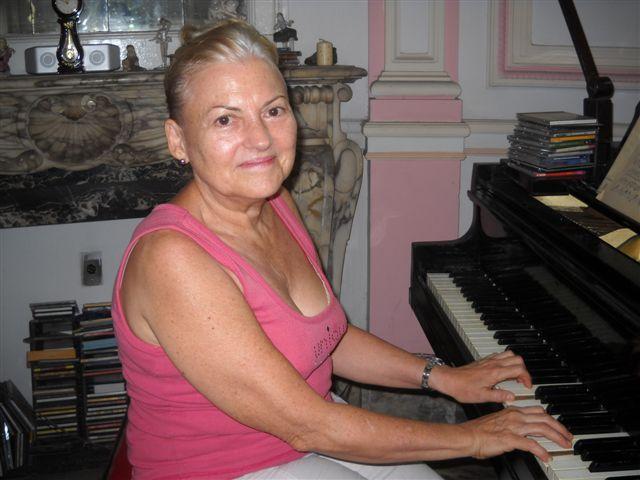 Pianista Mercedes Estévez