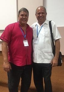 Fernando Díaz González junto Ramón Labañino a la salida de una sesión de trabajo.